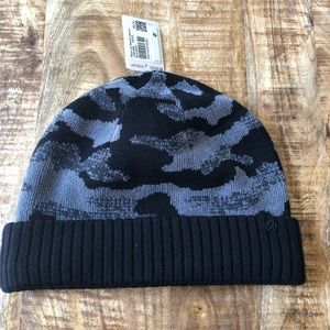 Lululemon room for warmth beanie